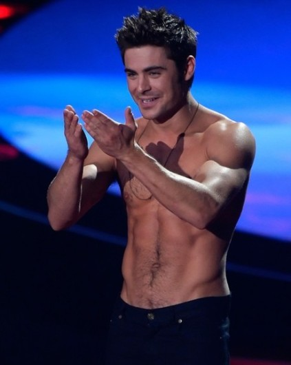 zac-efron_article_hoch_1_main